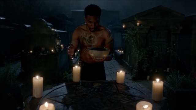 File:The Originals Season 3 Episode 10 A Ghost Along the Mississippi Vincent performing a spell.png