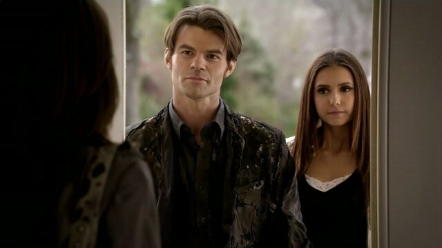 File:Elijah-and-Elena-in-2x19-Klaus-elijah-and-elena-21743249-1280-720.jpg