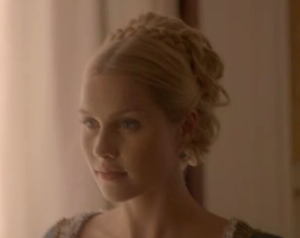 File:Rebekah 7 TO 1x02.jpg