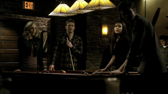 File:Caroline-Matt-Elena and Stefan 1x16.png