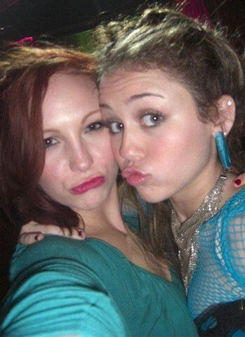File:Candice and Miley.jpg