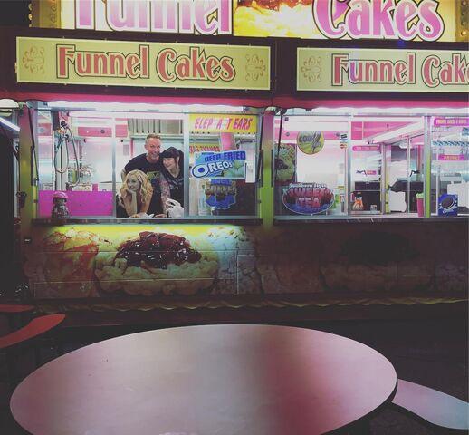 File:09-08-2016 Candice King-Instagram.jpg