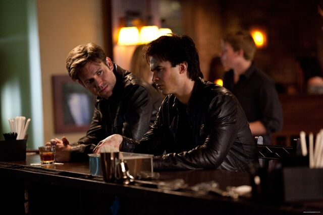 Archivo:Dalaric-2x20-damon-and-alaric-20974976-2000-1333.jpg