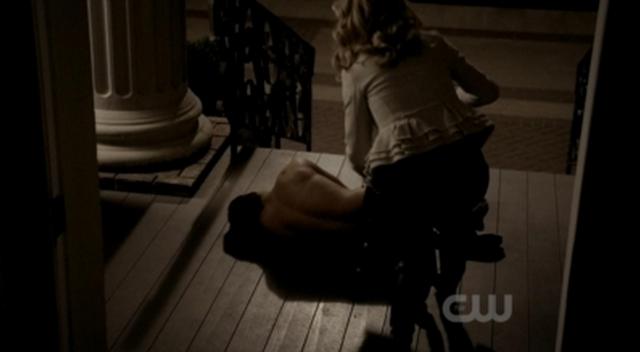 File:Tyler-Caroline 2x21.png