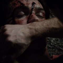Damon healing Jeremy after the crash in TVD 5x01