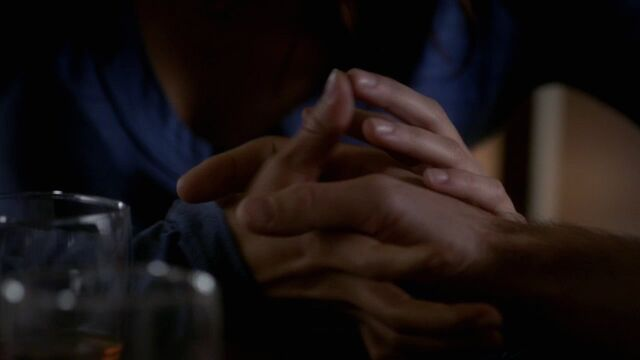 File:Alaric and Meredith holding hands.jpg