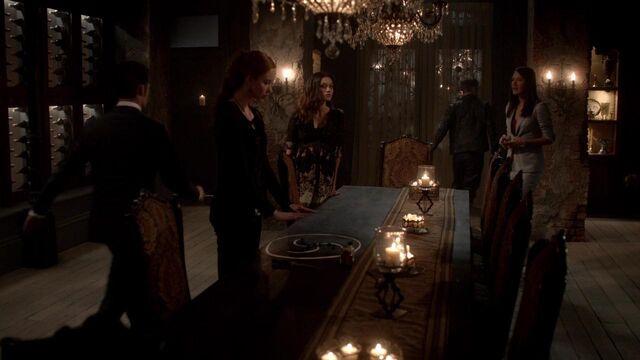 File:The Originals S01E21 mkv1409.jpg