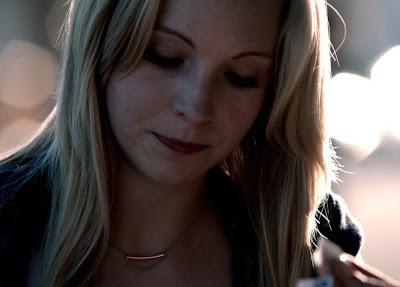 File:Caroline necklaces..jpg