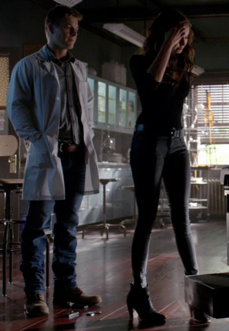 File:Dolce-vita-muri-cap-toe-ankle-boots-and-the-vampire-diaries-gallery.png