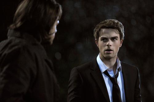 File:SPN-Bloodlines-Nate-and-Jared.jpg