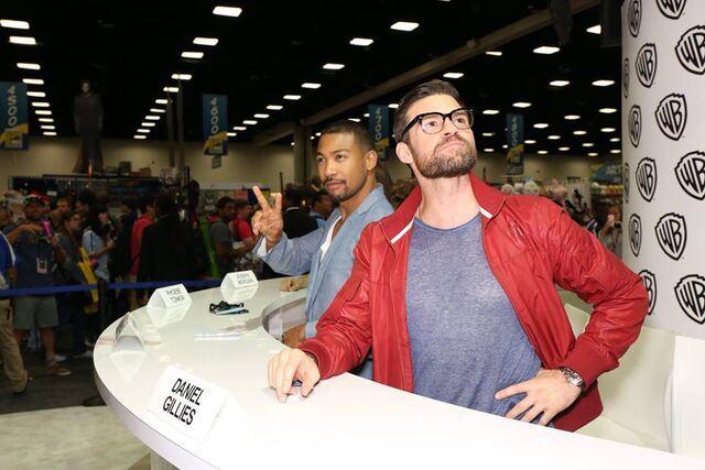 File:2016-07-23 WBSDCC Signing Charles Michael Davis Daniel Gillies.jpg