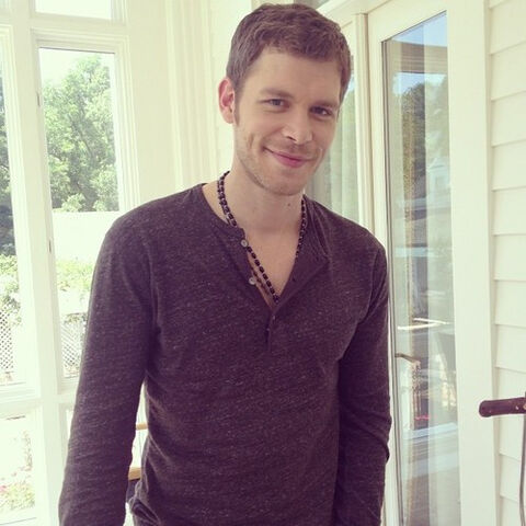 File:Niklaus-The Originals-BTS (1).jpg