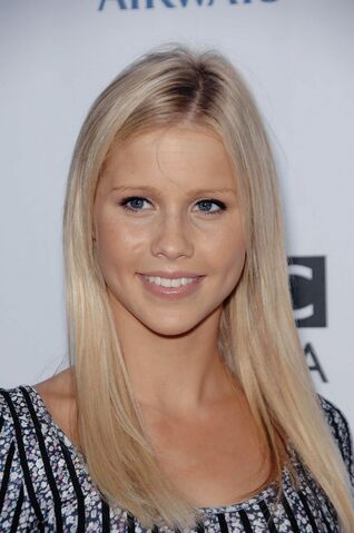 File:Claire-holt-04.jpg