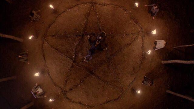 File:Pentagram-witches-ritual.jpg
