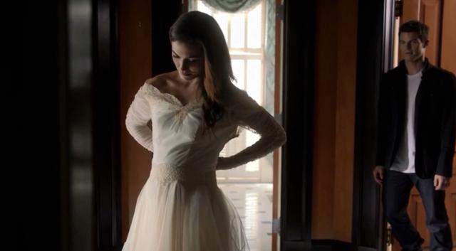 File:Hayley-Elijah 1x10.png
