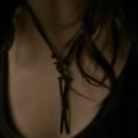 File:AnnaNecklace1.png