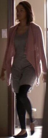 File:Bonnie 7x18 Outfit.jpg