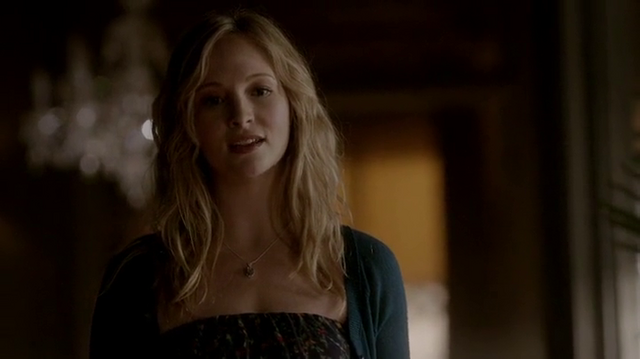 File:Silas as Caroline.png
