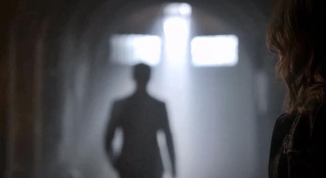 File:Elijah-Hayley 2x02-.png