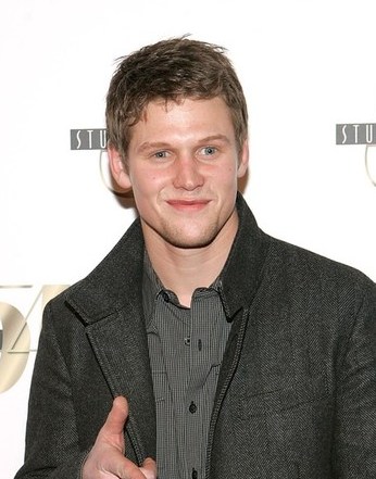 File:Zach-roerig-interview.png