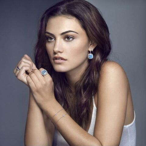 File:Phoebe Tonkin Jan Logan Jewellery Campaign 04.jpg