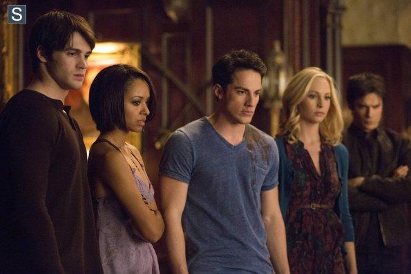 File:The Vampire Diaries Episode 15 Gone Girl Promotional Photos (6) 595 slogo.jpg
