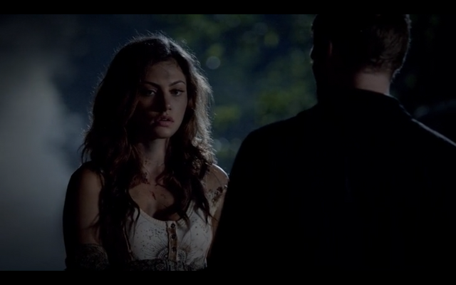 File:1x04-Klaus checks Hayley's wounds 2.png