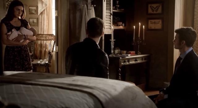 File:Hayley-Hope-Klaus-Elijah 1x22..png