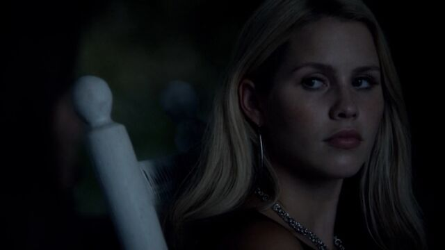 File:Rebekah 21 TO 1x02.jpg