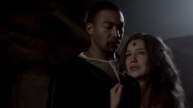 File:Marcel and Davina TO 1x05.jpg