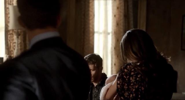 File:Elijah-Hayley-Hope-Klaus 1x22.png