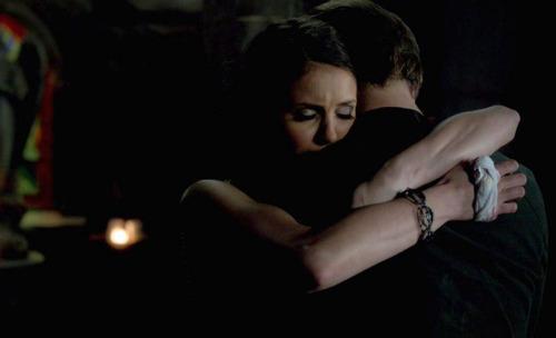 File:Alaric elena last hug.jpg