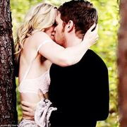 https://vignette2.wikia.nocookie.net/vampirediaries/images/5/52/Klaroline_kiss....jpg/revision/latest/scale-to-width-down/180?cb=20140124143138