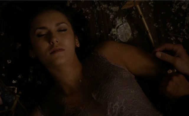 File:Elena unconscious 621.png