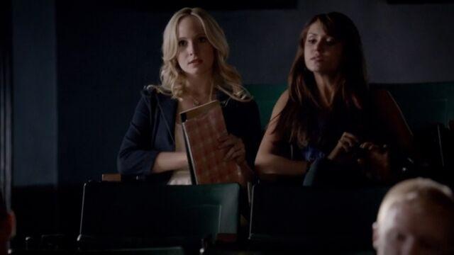 File:Elena and Caroline 6 TVD 5x02.jpg