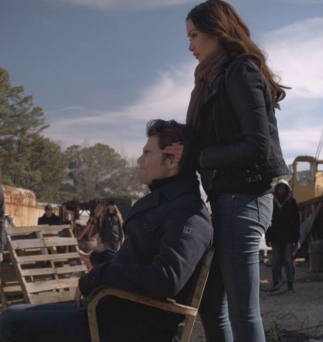 File:Stefan and Sloan 5x16.png