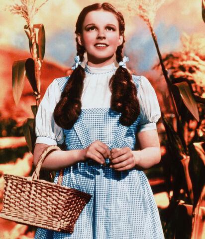 File:Dorothy Gale(b).jpg