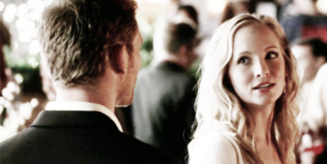 File:Klaus and Caroline in 4x9.png