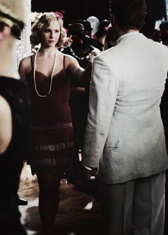 File:Klaus and Caroline 3x20.jpg