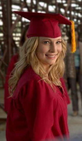 File:Caroline Graduation.JPG