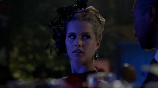 File:Rebekah 31 TO 1x03.jpg