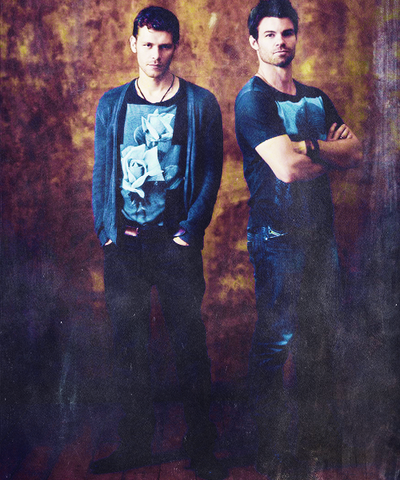 File:Joseph-Morgan-Daniel-Gillies-Comic-Con-2013-Portraits-the-originals-tv-show-35980224-500-600.png