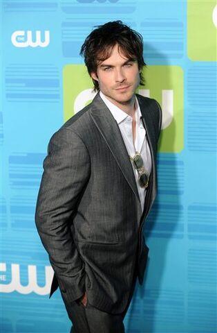 File:Damon-Salvatore-s222.jpg