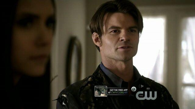 File:Elijah-and-Elena-in-2x19-Klaus-elijah-and-elena-21743256-1280-720.jpg