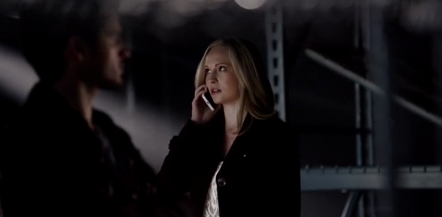 File:Enzo-Caroline in 5x16.png
