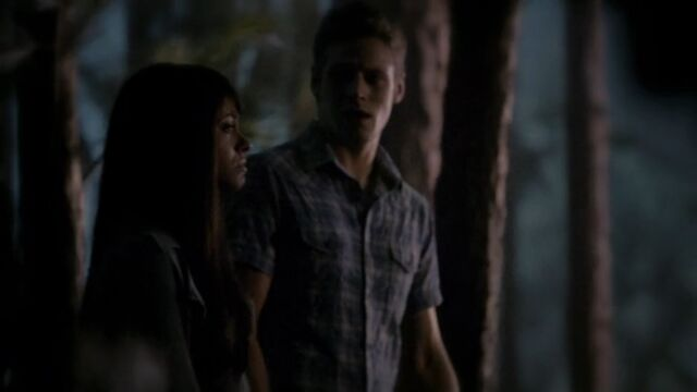 File:Matt and Bonnie TVD 5x02.jpg