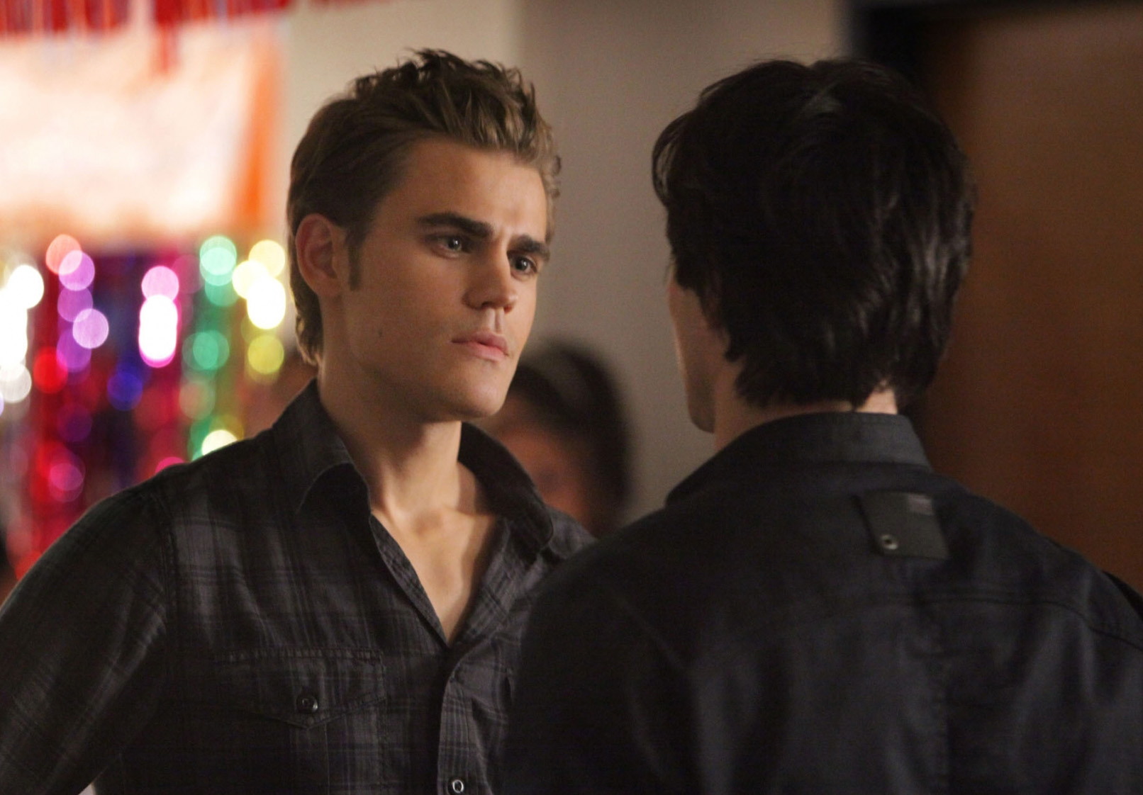 File:Vampire-diaries-season-2-brave-new-world-promo-pics-13.jpg