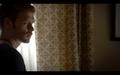 1x02-Klaus in Hayley's room 3.png