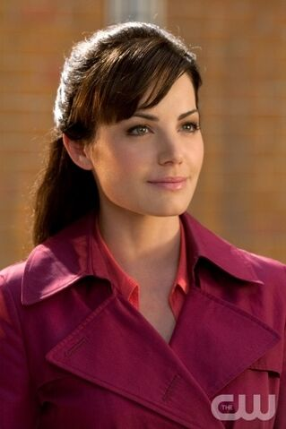 File:Erica-Durance-as-Lois-Lane-in-Smallville.jpg