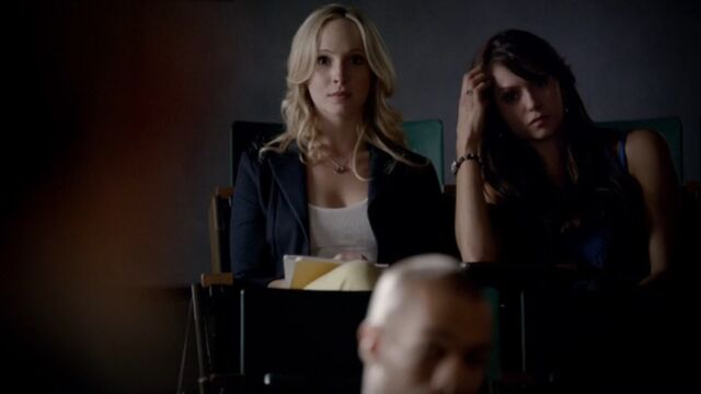 File:Elena and Caroline 10 TVD 5x02.jpg
